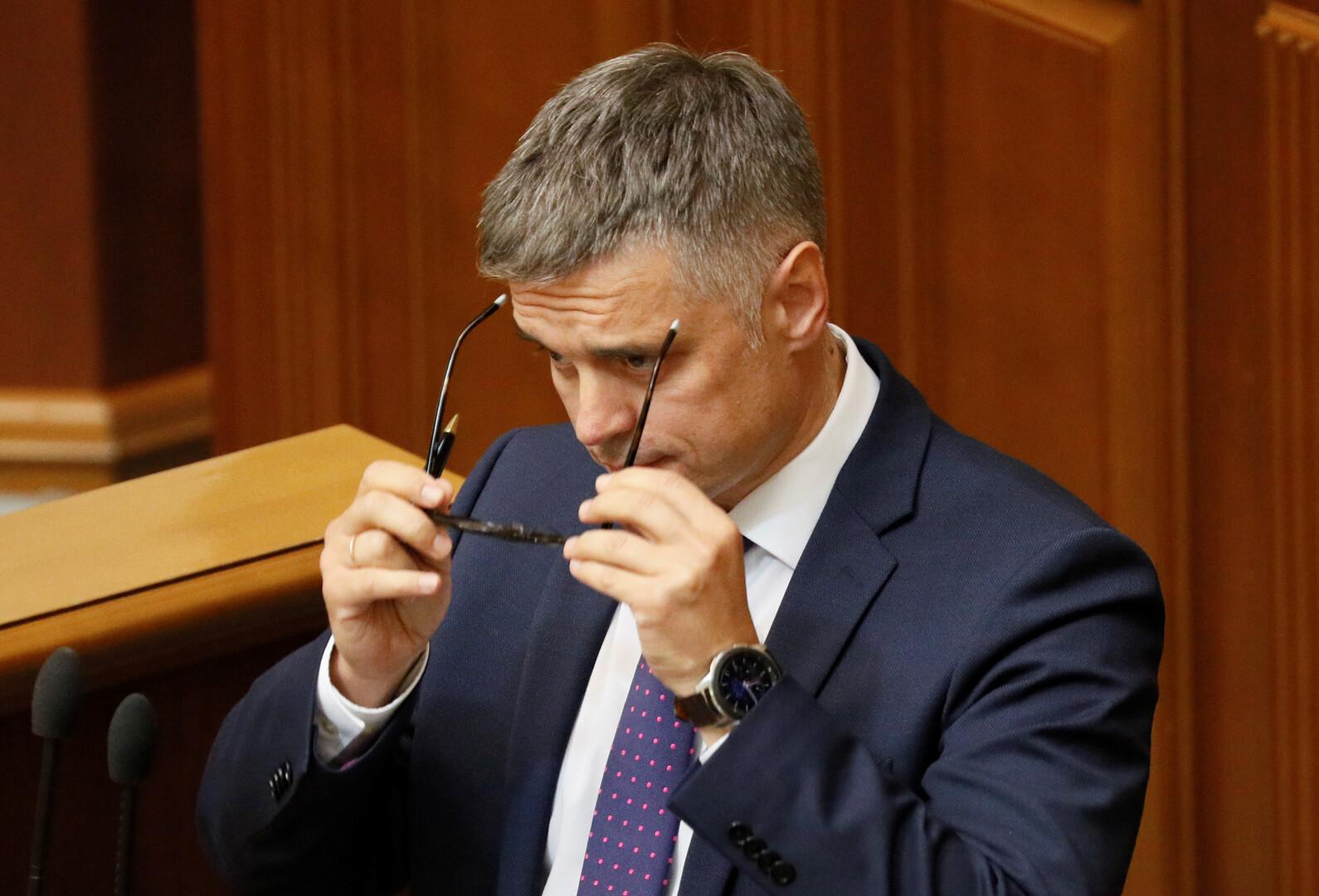 في تعارض مع اتفاقات مينسك.. كييف لن تعدل الدستور بخصوص الوضع الخاص لدونباس