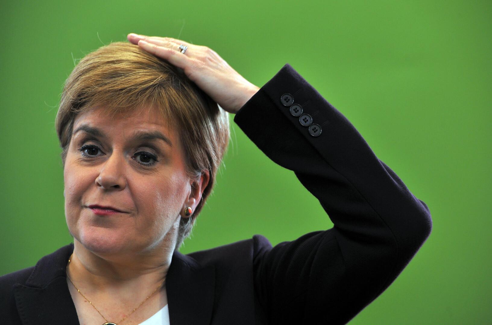 السبب ليس بريكسيت.. زعيمة اسكتلندا تتلقى ضربة على رأسها