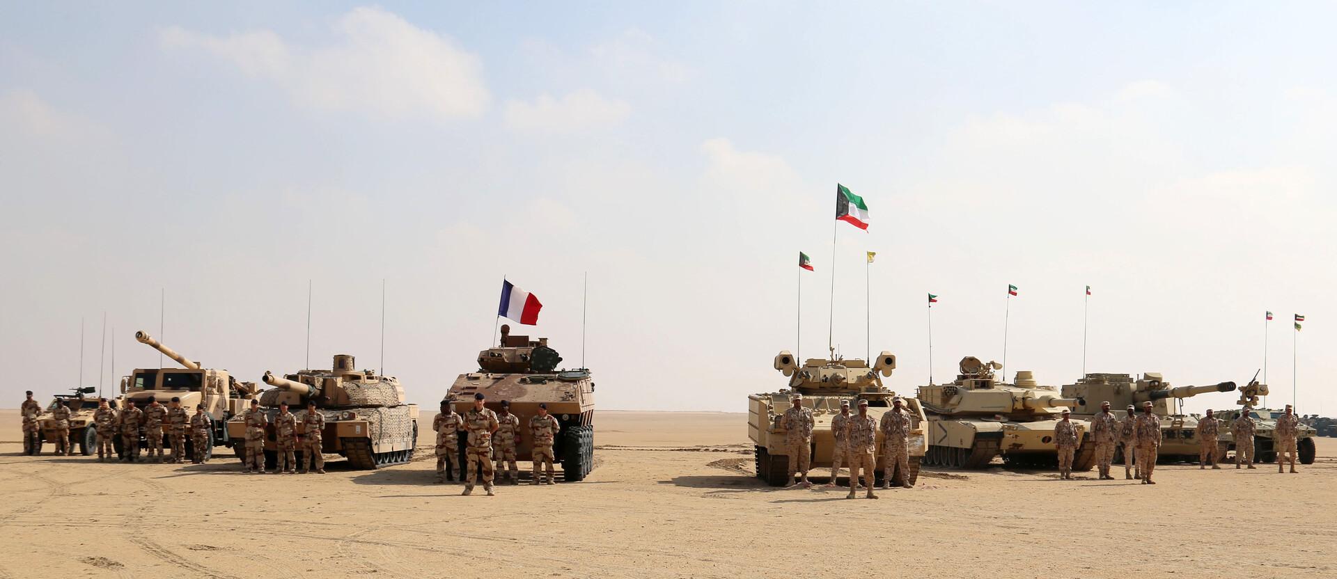 عناصر من الجيش الكويتي