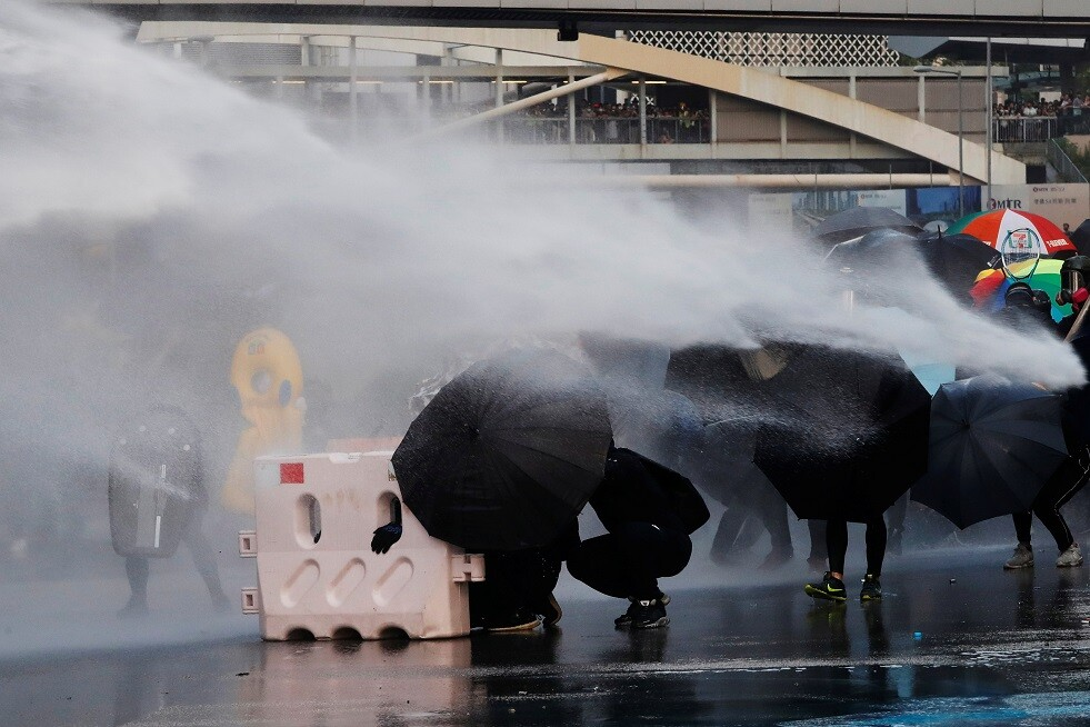 نتيجة بحث الصور عن العنف مجددا في هونغ كونغ.. والغاز المسيّل للدموع ضد