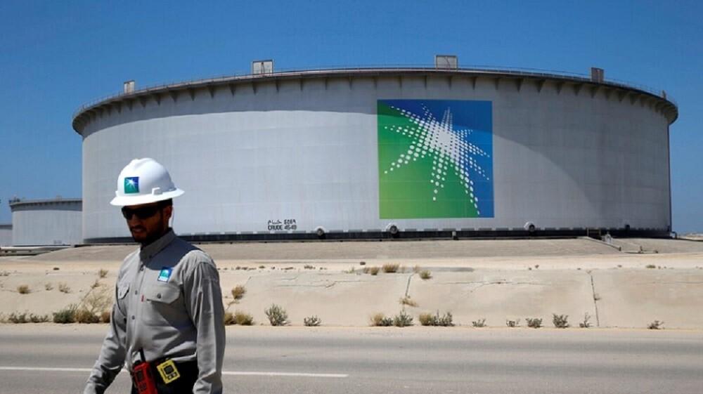 أسعار النفط تقفز في افتتاح الأسواق إثر الهجوم على السعودية