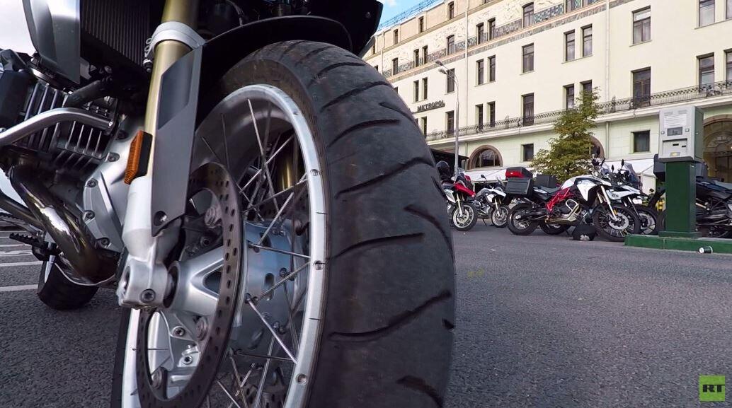صداقة عربية روسية على متن درّاجات نارية