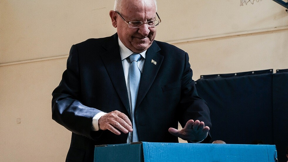الرئيس الإسرائيلي يتعهد بتفادي انتخابات تشريعية ثالثة