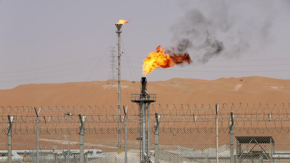 كم يوما تكفي احتياطيات النفط السعودية؟