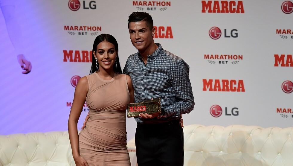 رونالدو يقدم وعدا لصديقته جورجينا بالزواج منها ليحقق حلم والدته