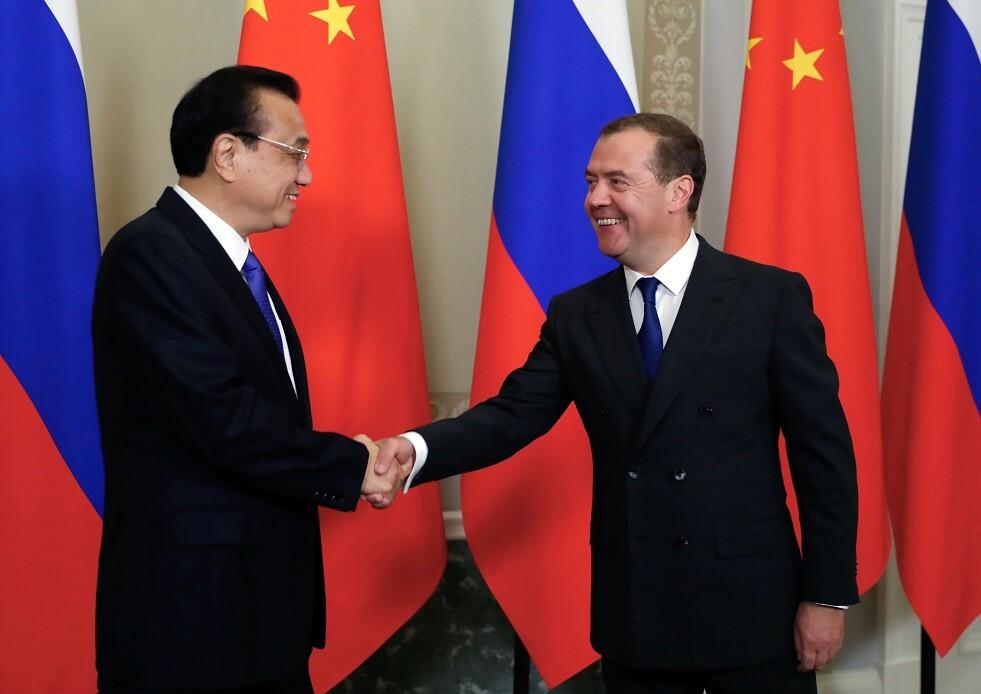 مدفيديف: العلاقات الروسية الصينية دخلت حقبة جديدة