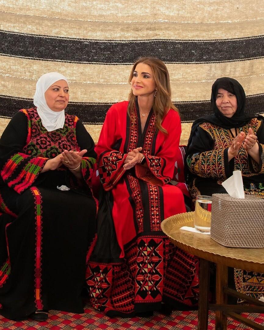 الملكة رانيا تزور