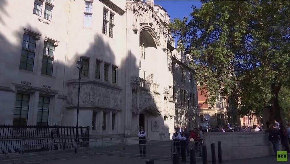 جدل حول تجميد عمل البرلمان البريطاني