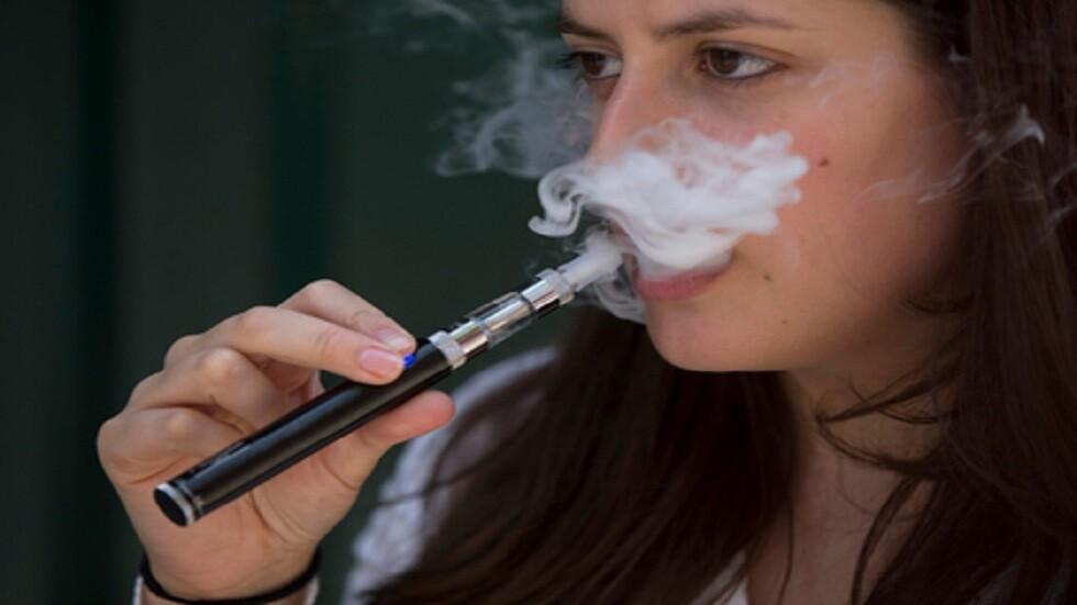 الهند تحظر السجائر الإلكترونية