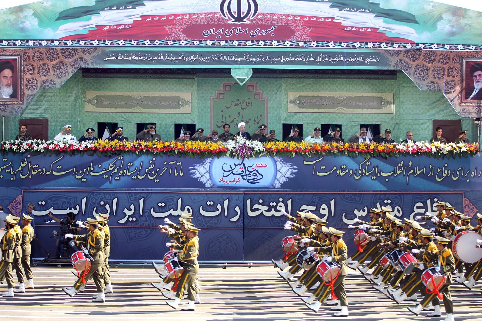 عرض عسكري إيراني بمشاركة 200 فرقاطة وزورق سريع