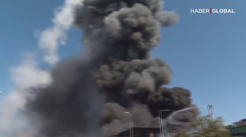 كاميرات تسجل لحظة انفجار في مصنع كيميائي في تركيا