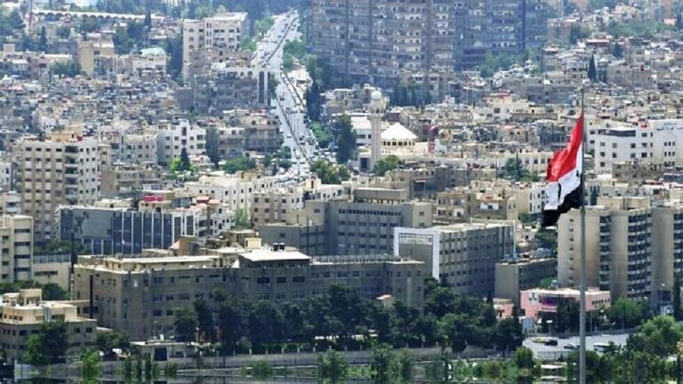 لواء سابق بالجيش المصري: دول إقليمية ومؤسسات عربية ساهمت في المؤامرة على سوريا -
