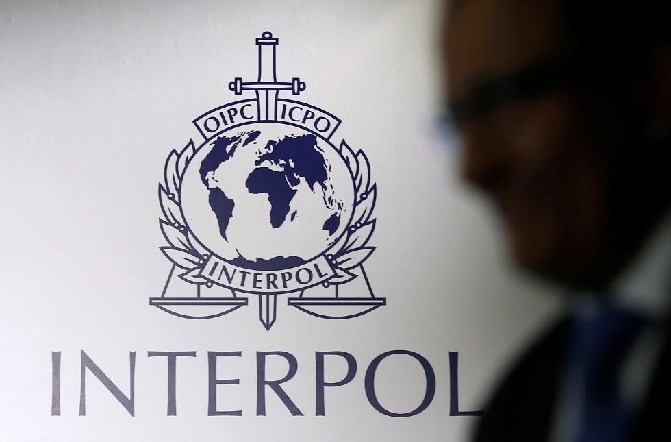 شعار الإنتربول