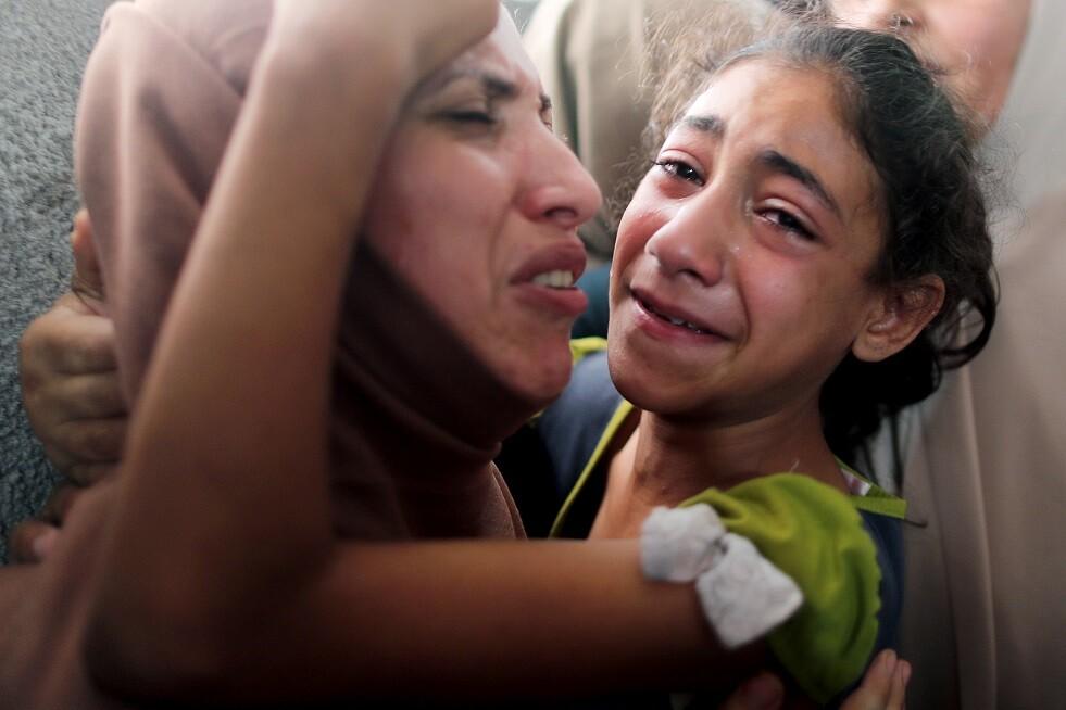 عشرات الإصابات بنيران إسرائيلية استهدفت مسيرات العودة في غزة