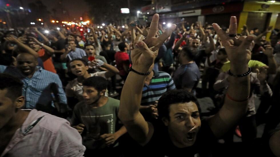 نائب مصري يوجه لرئيس الوزراء سؤالا حول المظاهرات الأخيرة