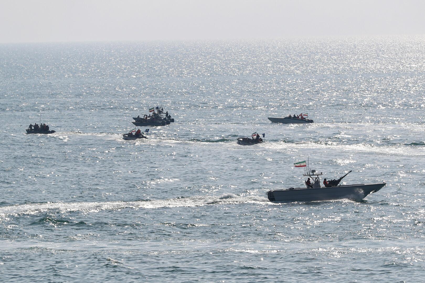 زوارق حربية للحرس الثوري الإيراني في مباه الخليج