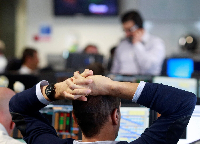 انخفاض الأسهم الأوروبية وسط حالة عدم اليقين السياسي في واشنطن