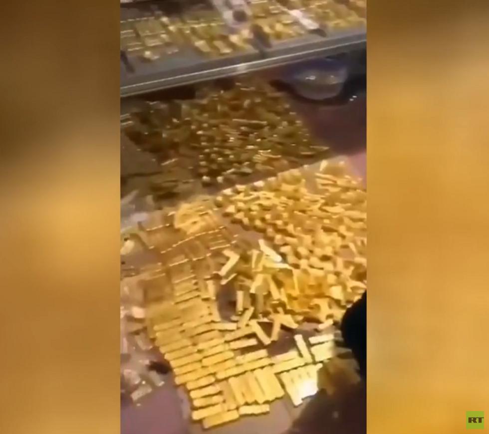 العثور على 13.5 طن من الذهب لدى عمدة سابق