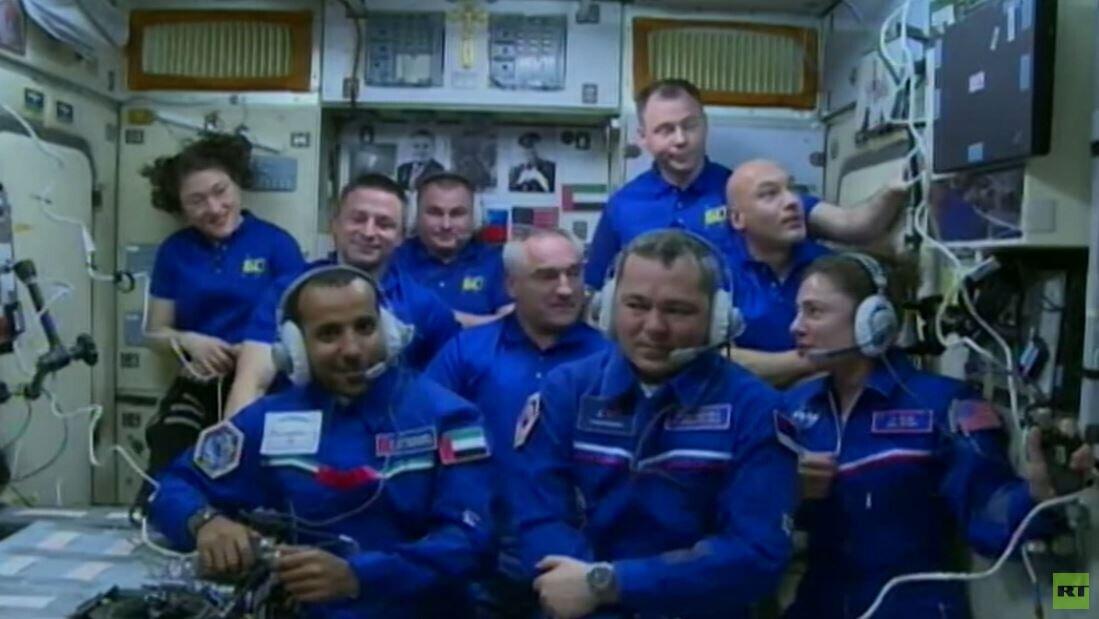 هزاع المنصوري أول رائد فضاء من دولة الإمارات يصل للمحطـة الدولية عبر مركبة سويوز