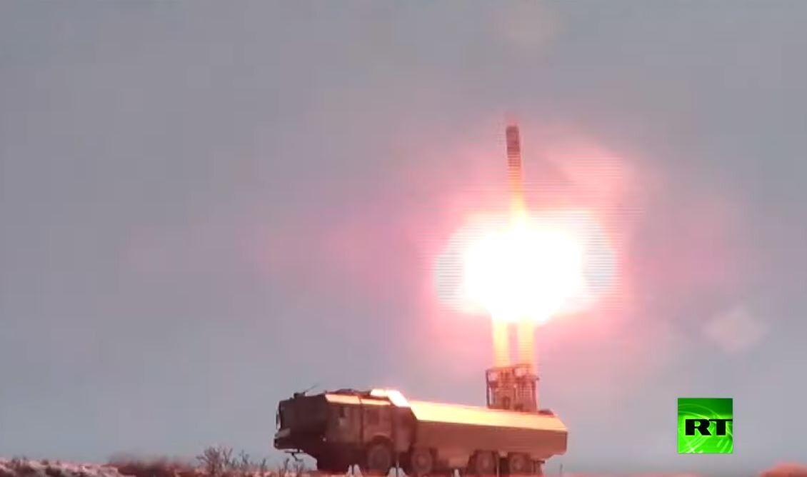أول إطلاق لصاروخ