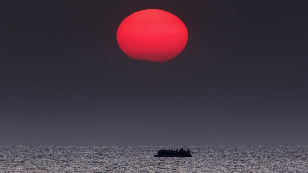 معظمهم أطفال.. 7 قتلى بغرق قارب للمهاجرين قبالة اليونان