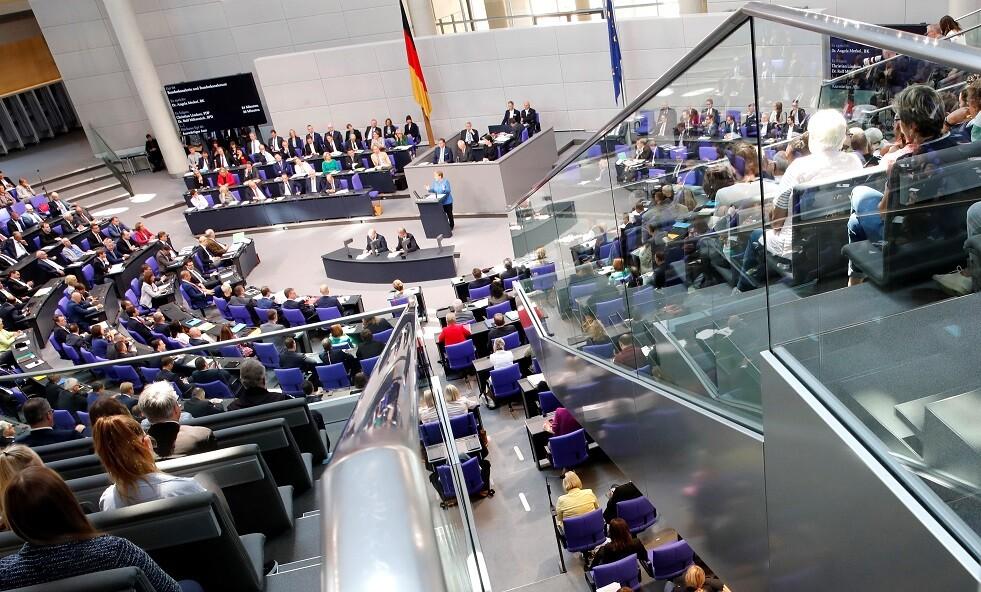 برلمانيون ألمان يدعون لرفع العقوبات عن روسيا