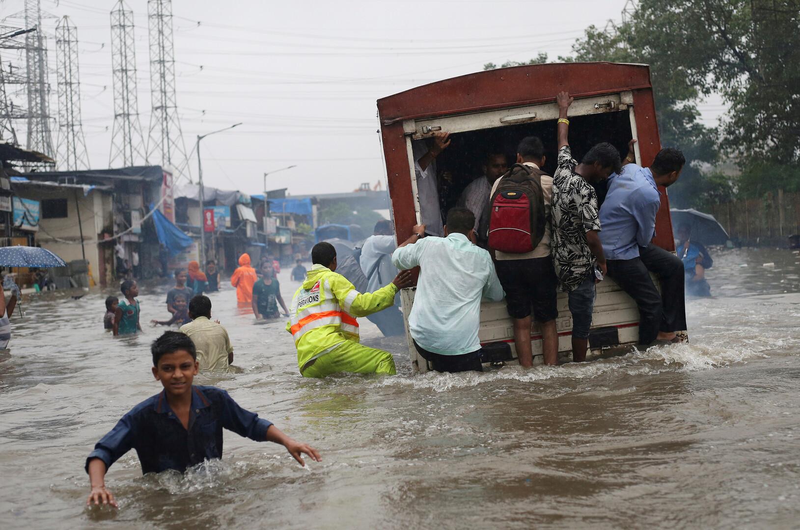 عشرات القتلى جراء الفيضانات شمالي الهند