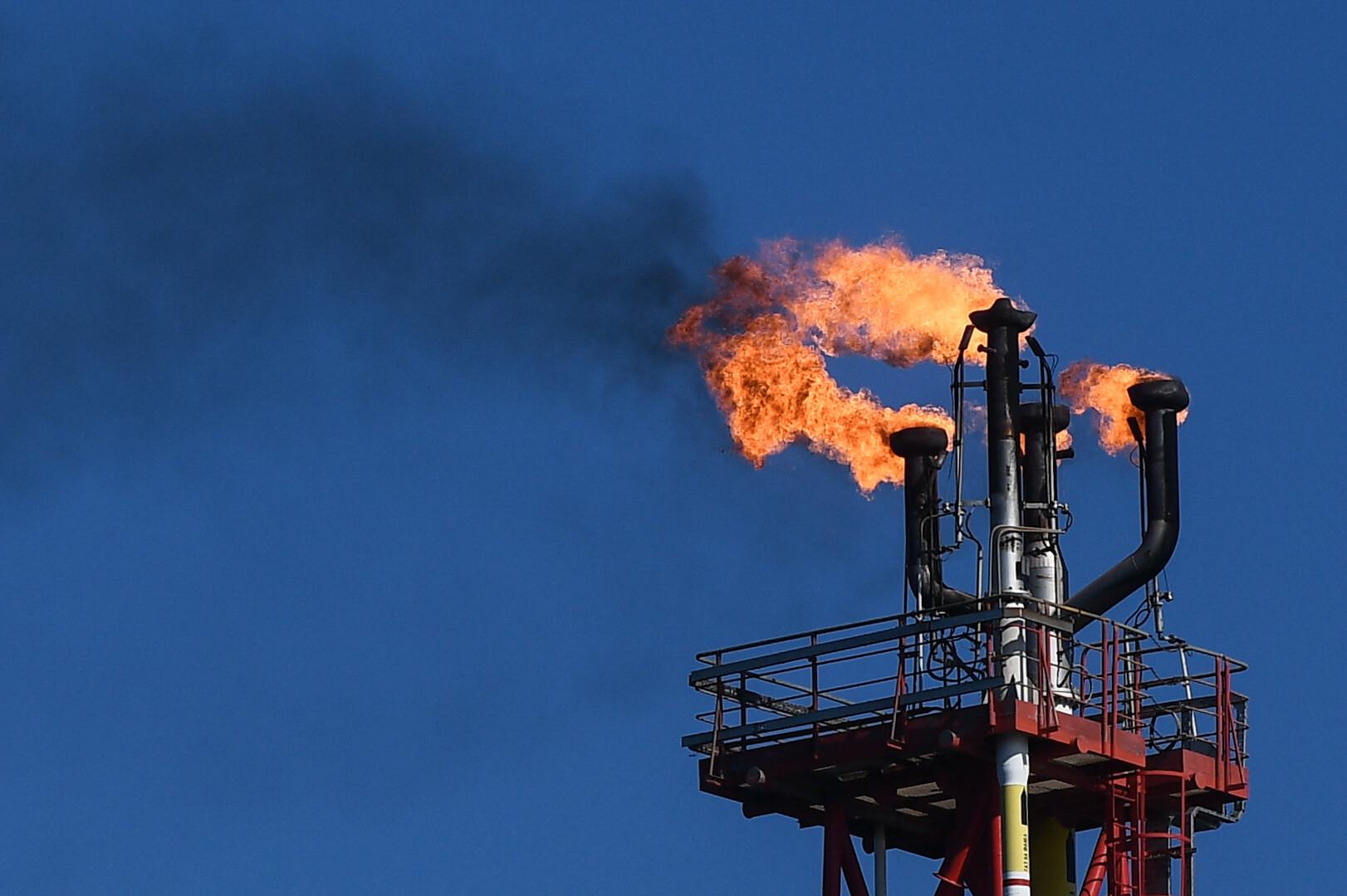 روسيا تحقق خفضا بإنتاج النفط في سبتمبر بـ200 ألف برميل يوميا