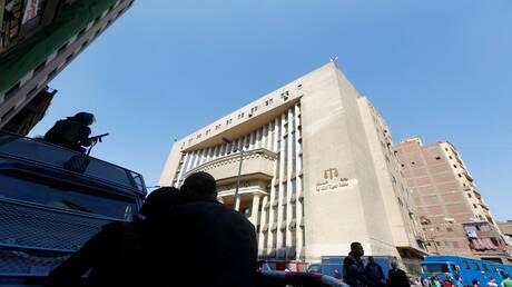 مطالب بإدراج فنان مصري مشهور على قائمة الإنتربول