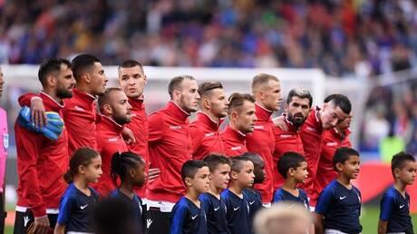 شاهد.. ردة فعل لاعبي ألبانيا على خطأ