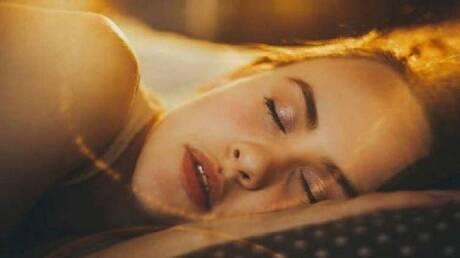 لماذا لا نستطيع تذكر أحلامنا بعد الاستيقاظ؟