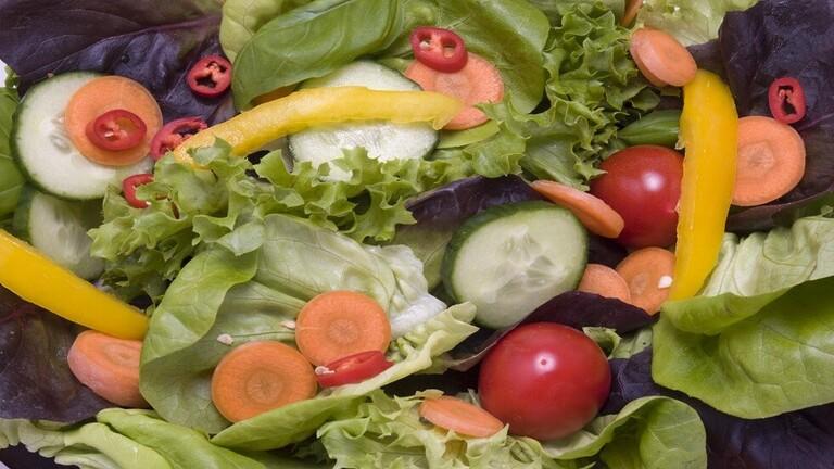 خطورة الخضروات النيئة الصحة؟
