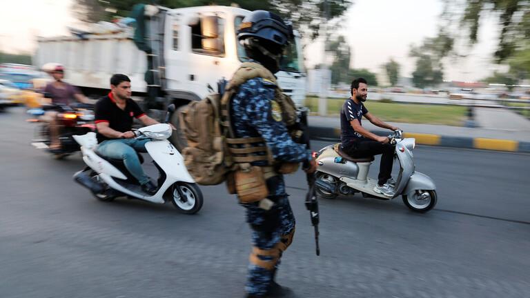 مذكرة قبض بحق مسؤول عراقي لاعتدائه على متظاهرين