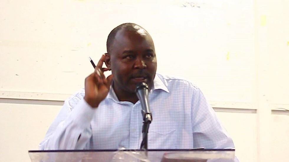 زعيم حركة تحرير السودان يشير إلى تقدم أحرز بعد لقاء حمدوك في فرنسا
