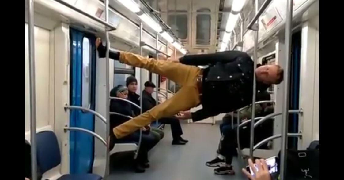 فقط في موسكو يمكن ركوب المترو بهذه الطريقة!