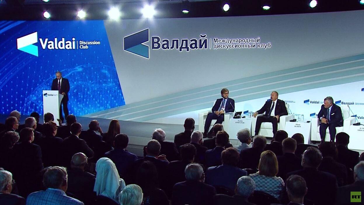 بوتين: ندعو لإبعاد سوريا عن الصراع