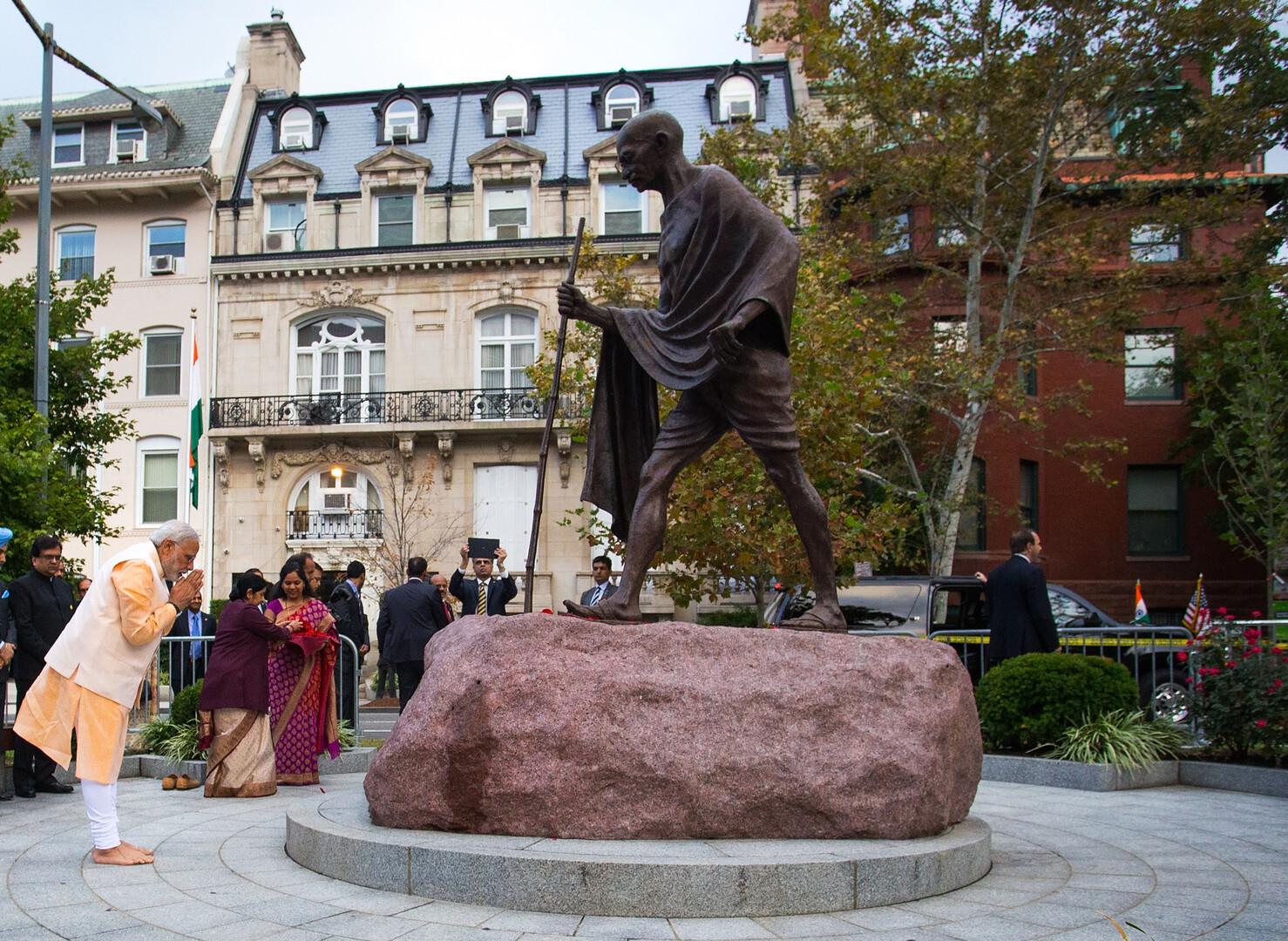 الهند.. سرقة رماد رفات المهاتما غاندي في ذكرى ميلاده الـ150