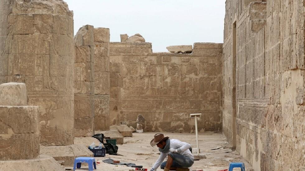 عمال بناء يكتشفون معبدا مفقودا على ضفاف نهر النيل منذ 2200 عام (صور)