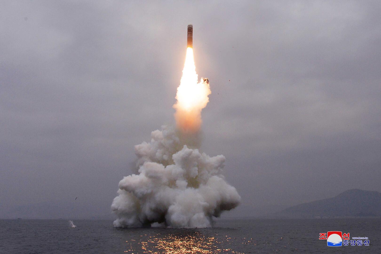 كوريا الشمالية تفاجئ البنتاغون بصاروخ جديد من تحت الماء!