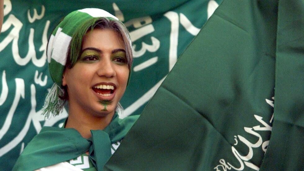 السعودية.. انطلاق أول دوري نسائي لكرة القدم