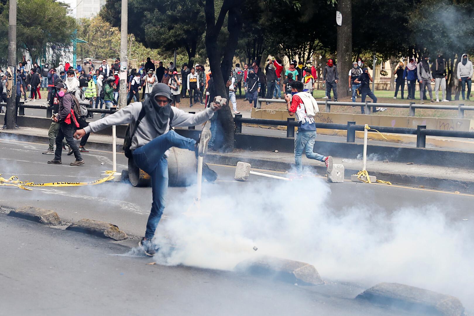 نقابات النقل في الإكوادور تعلق الاحتجاجات بعد اضطرابات استمرت يومين