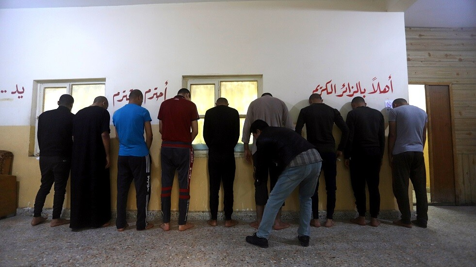 معتقلون في معبر حدودي عراقي - أرشيف