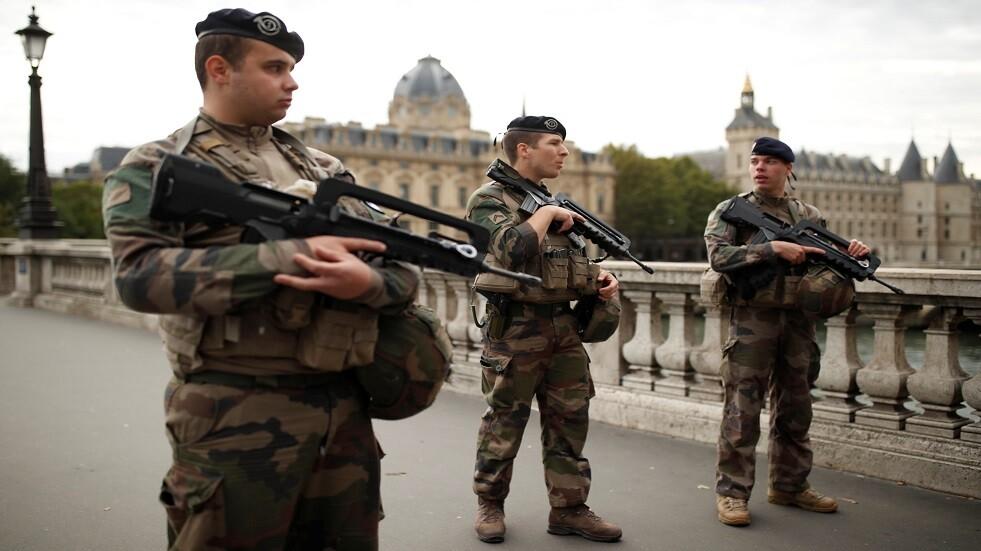 أفراد من القوات الأمنية الفرنسية بعد هجوم باريس - أرشيف