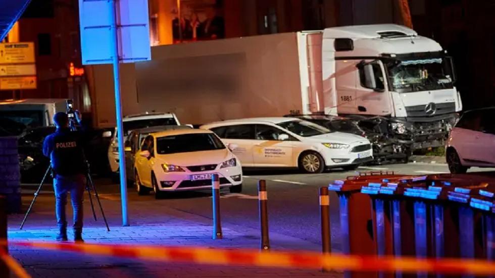 إصابة 16 شخصا بعملية صدم في ألمانيا.. والشرطة لا تستبعد أي فرضية