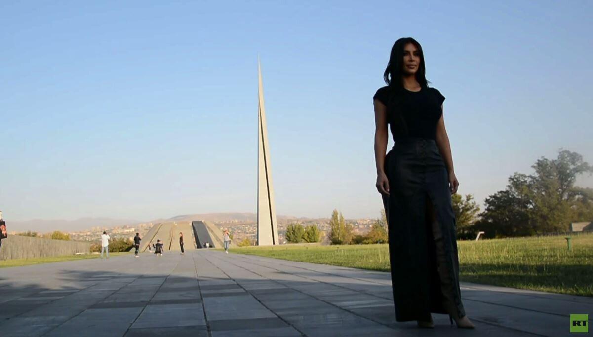 شاهد بالفيديو.. كيم كارداشيان تحيي ذكرى ضحايا إبادة الأرمن