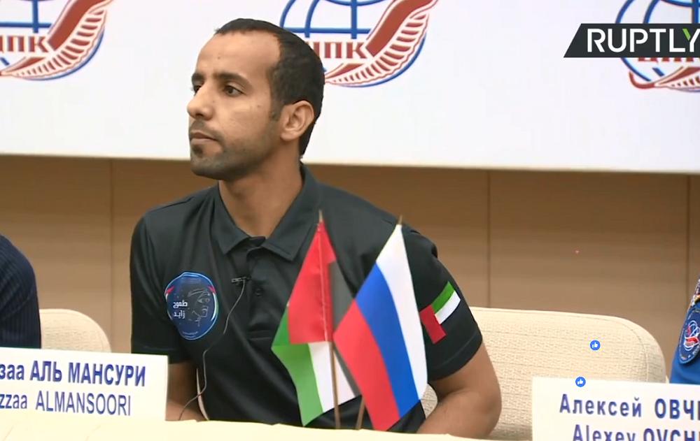 رائد الفضاء الإماراتي هزاع المنصوري يعقد أول مؤتمر صحفي عقب وصوله الأرض