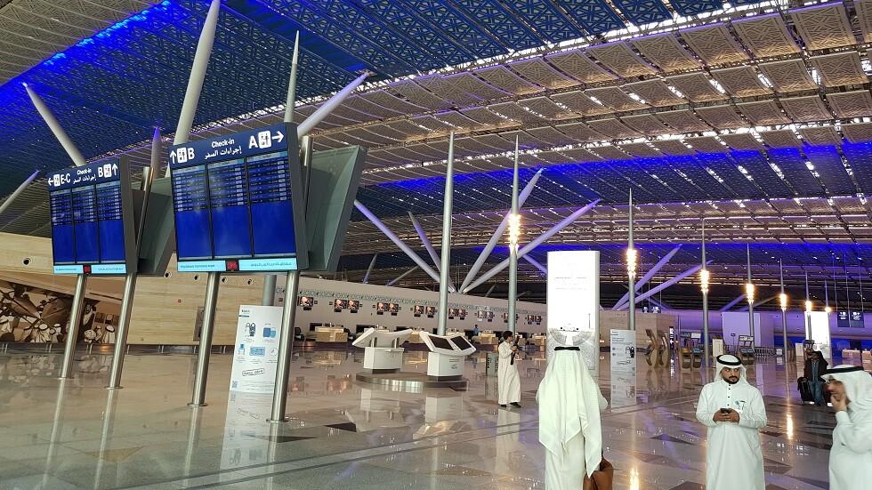 أول سائحة أجنبية تستفيد من خدمة التاشيرة السياحية السعودية (فيديو)