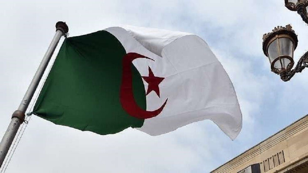 الجزائر تعلن تضامنها مع سوريا