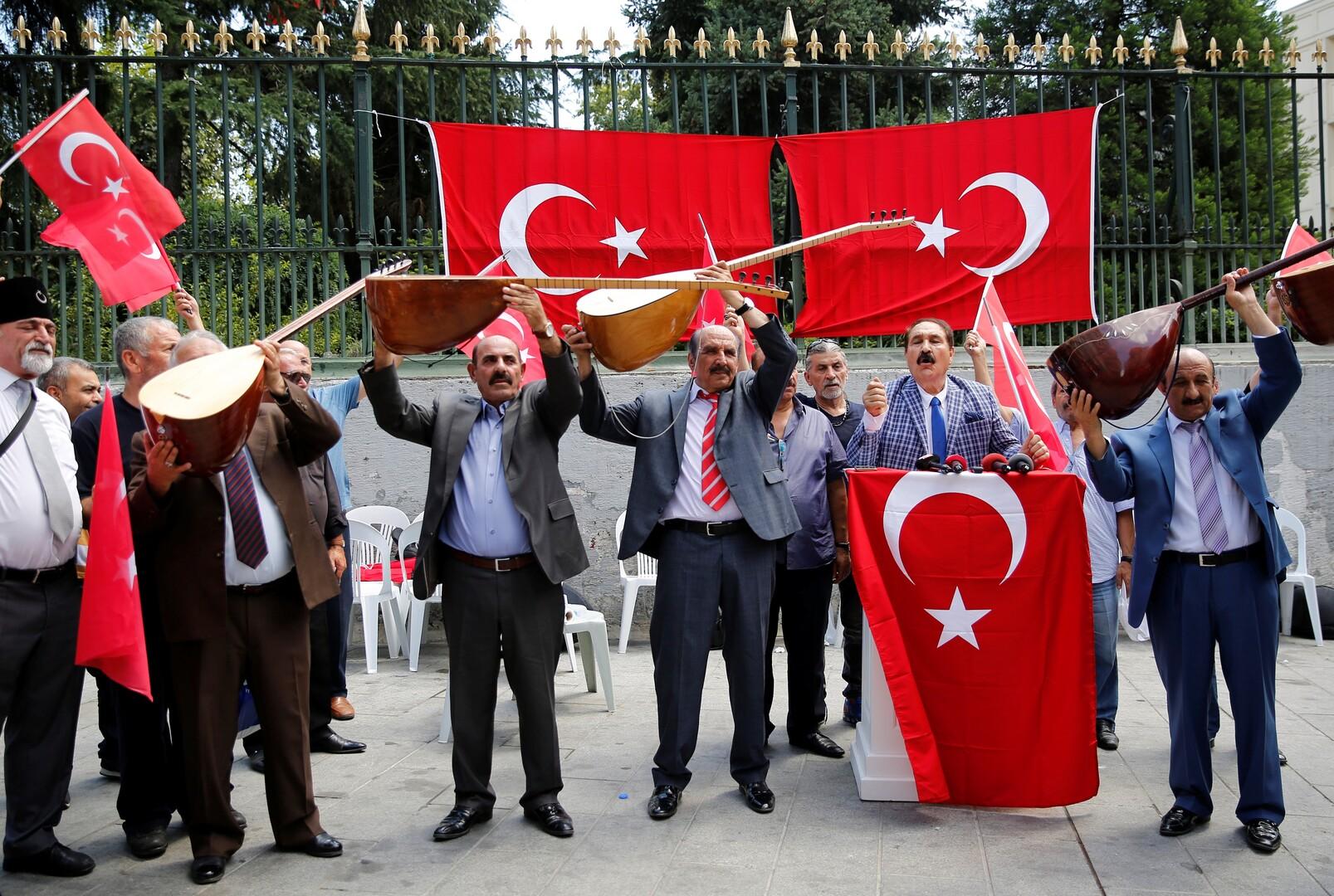الليرة التركية تقاوم بعناد