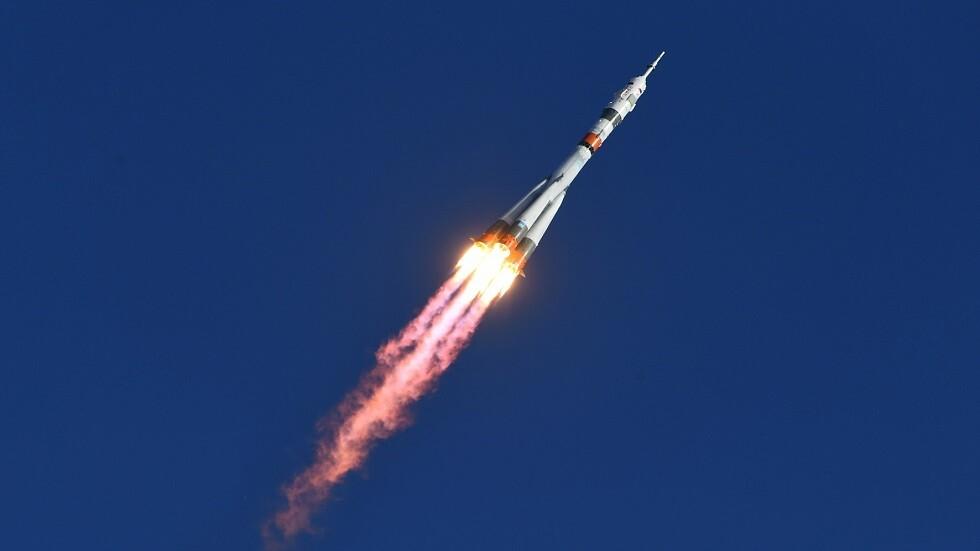 روسيا تطلق 3 أقمار اتصالات جديدة إلى الفضاء